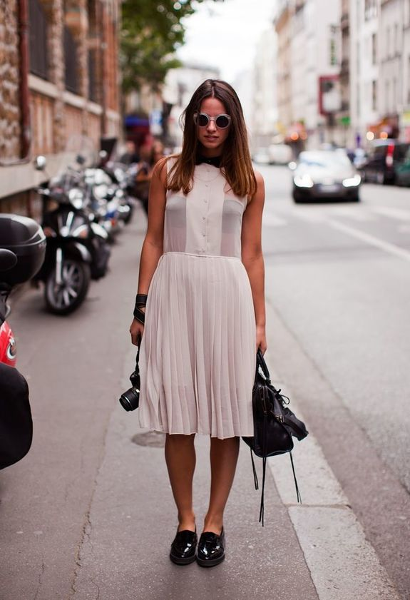 Женские платье на фото с туфлями
