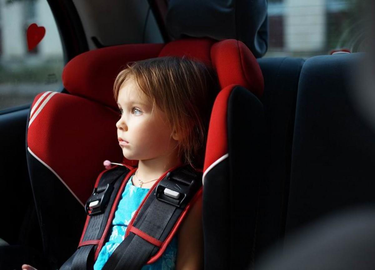 в машине ребенок картинка