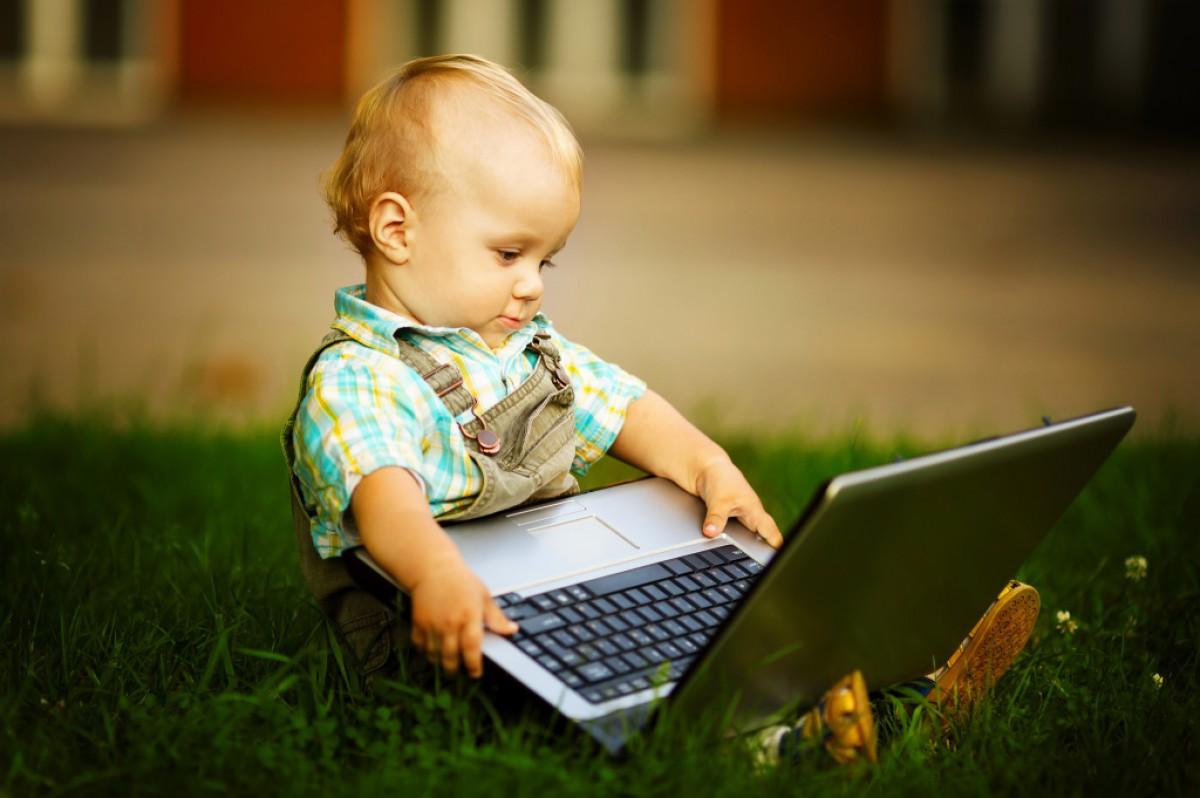 Как защитить ребенка от компьютерной порнографии