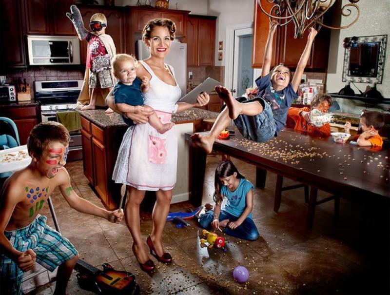Картинки по запросу Памятка для мужей, у которых жена «всего лишь сидит дома с ребенком, а не работает с утра до вечера, как он»
